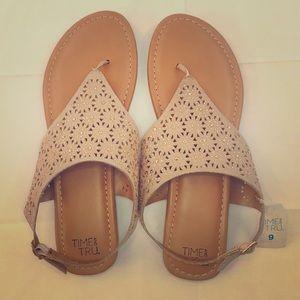 NWT🔥 Time and Tru™️ Memory Foam Sandals